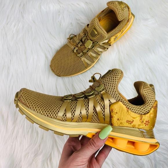 reputable site 59bb3 35e95 Nike Shox Gravity NWT Sneakers Size 5.5